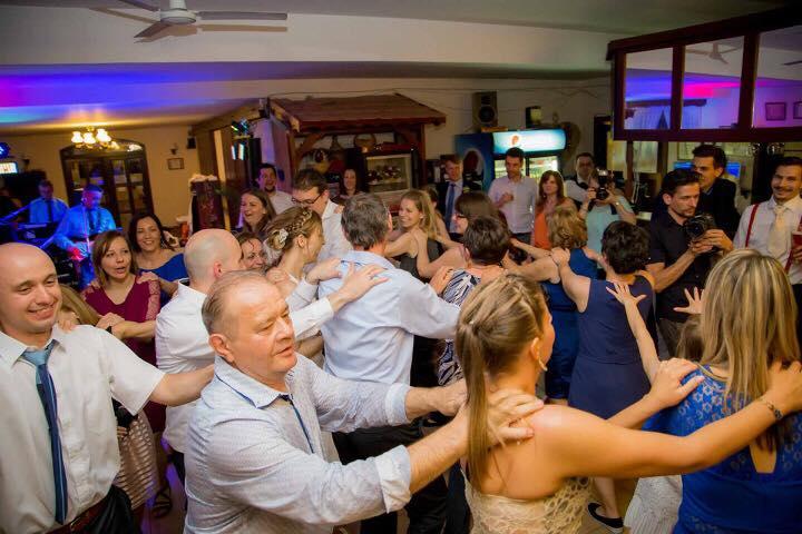 buli party esküvő zenekar a legjobb zenekarok party zenekarok foryou partyzenekar rendezvényre zenekar zenekar rendezvényre zenekar bálba báli zenekarok esküvői zenekarok rendezvény zenekarok party zenekar legjobb zenekarok